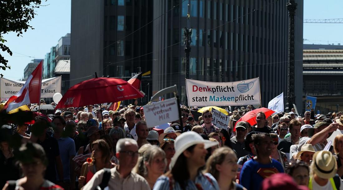 Anti-irgendwas-Demo in Berlin