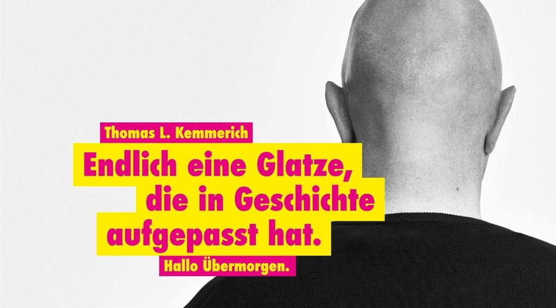 Herr Höcke schenkt Herrn Kemmerich einen Kamm...